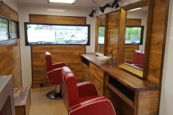 sam-crew-mobile-barber-shop2-6fbf227163