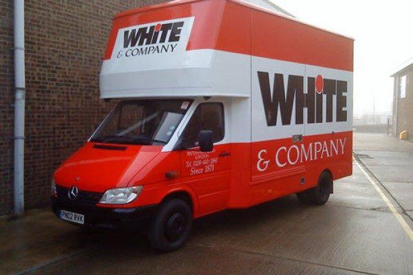 vehicle-painting-removal-van